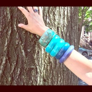 Jewelry - Stack of five assorted blue violet resin bangles